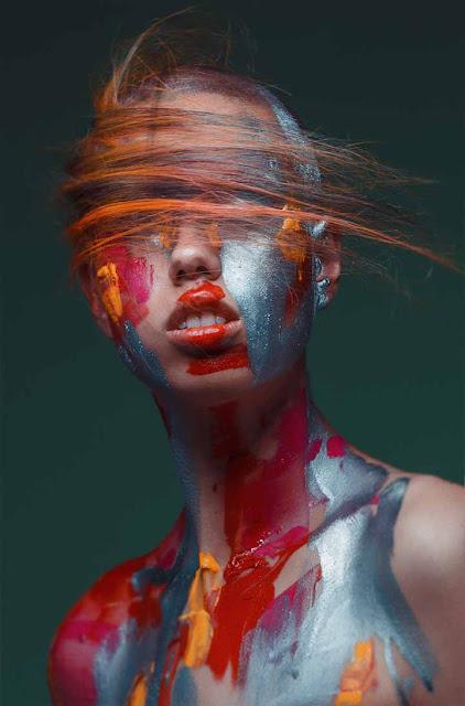 color de pelo rojo-cobrizo