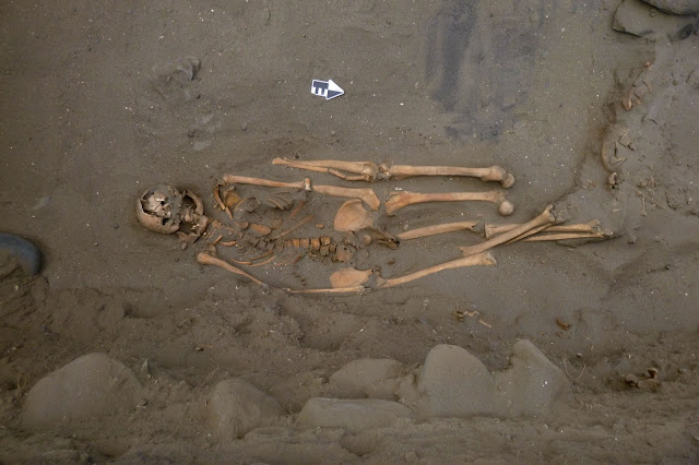 Ancient Peruvian fishermen found buried with extra limbs
