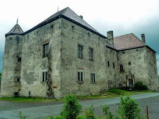 Замок Сент-Миклош. Замок Любви