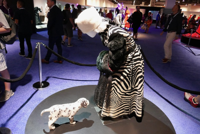Cruella de Vil 101 Dalmatians zebra costume