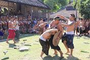 PERANAN BUDAYA BALI DALAM MEMPERKENALKAN BUDAYA DAN TRADISI BALI KEPADA PARA WISATAWAN
