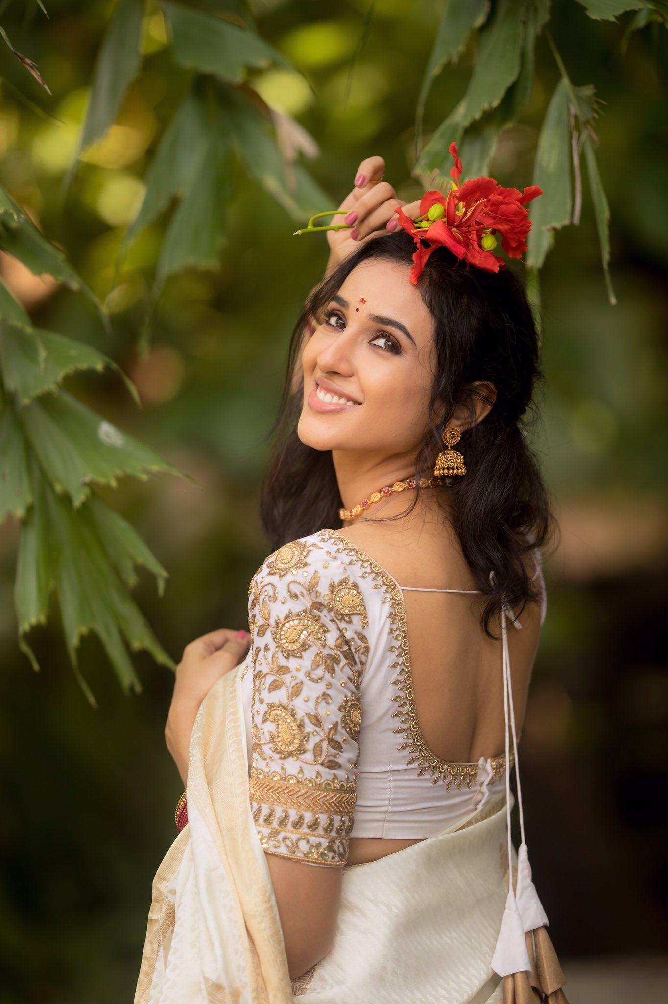 Riya Suman Latest Pics
