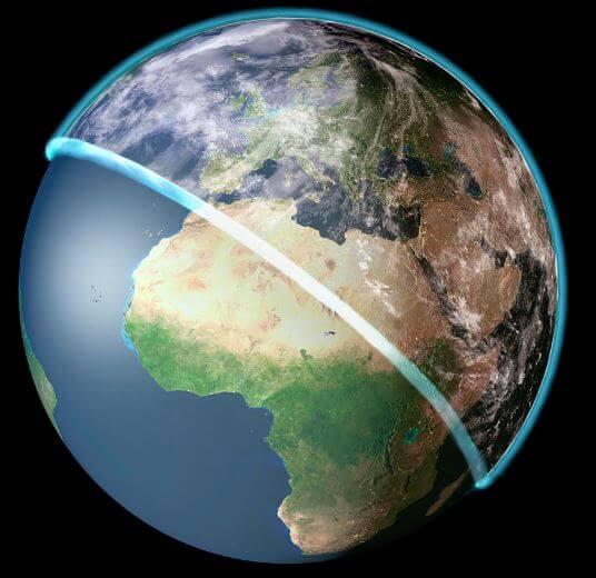 ما مدى ارتفاع الغلاف الجوي عن الأرض؟