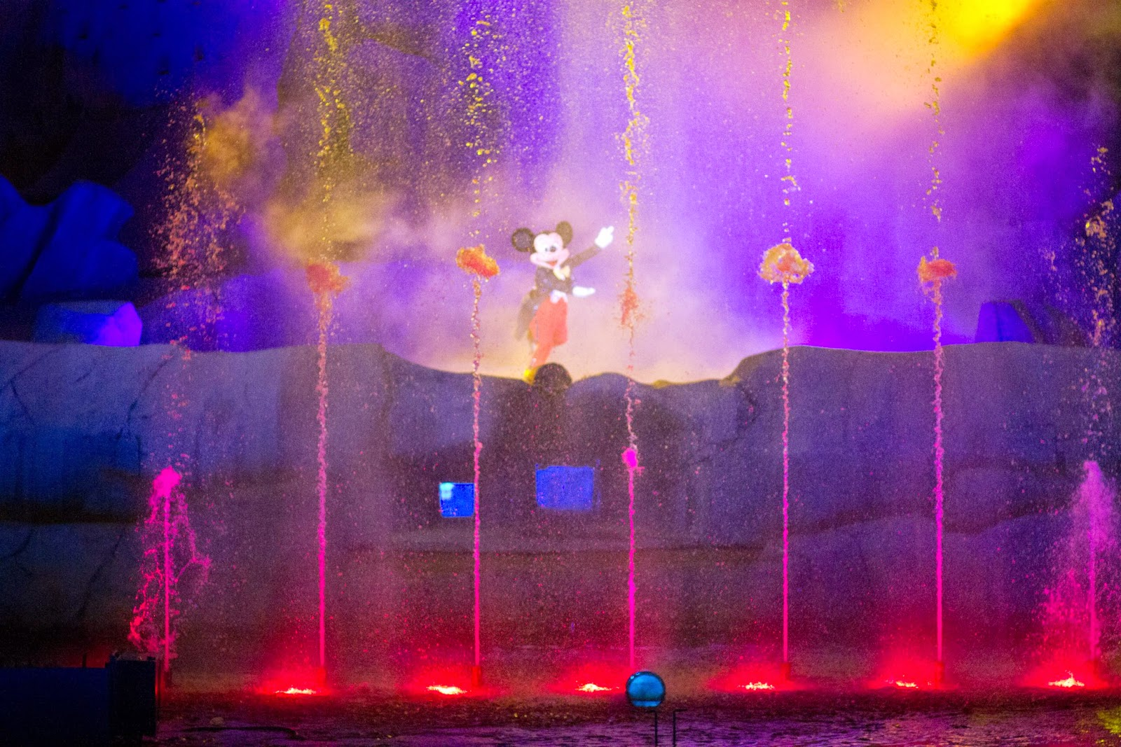 Fantasmic! is one of my favorite night time shows at Disney world