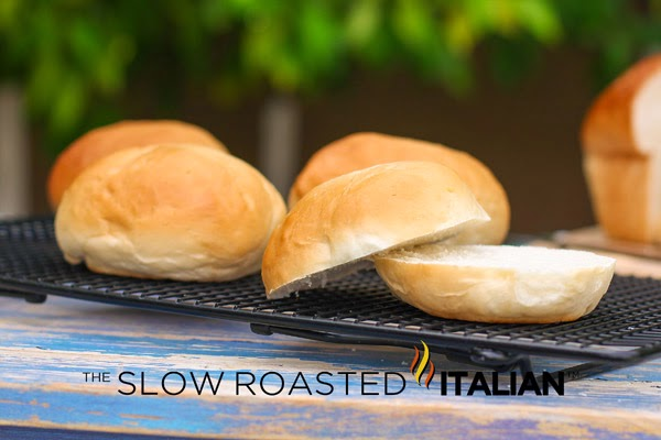 http://www.theslowroasteditalian.com/2013/06/simple-amish-white-bread-recipe.html