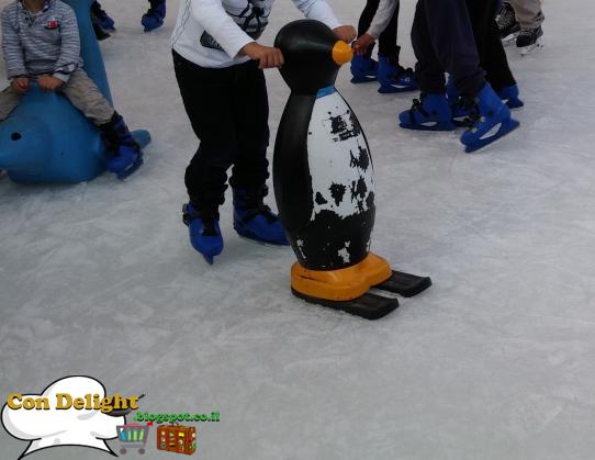 penguins on ice בובות פינגווין על הקרח ימבקרח