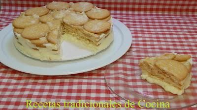 Receta casera de tarta fría de piña y galleta super cremosa y muy fácil de preparar