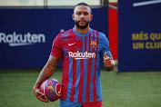 Memphis Depay yakin dia bisa cocok dengan Aguero dan Messi
