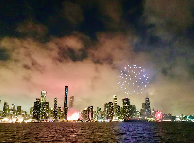 Image of Chicago, Illinois skyline on New Year's Eve 2020