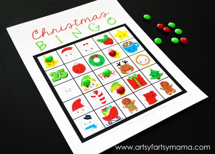 Free Printable Christmas Bingo at artsyfartsymama.com #Christmas #freeprintable #printable #bingo