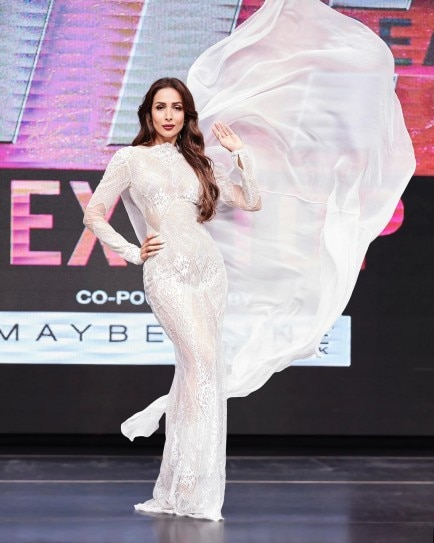 Malaika Arora looks unbearably hot in these outfits Navel Queens