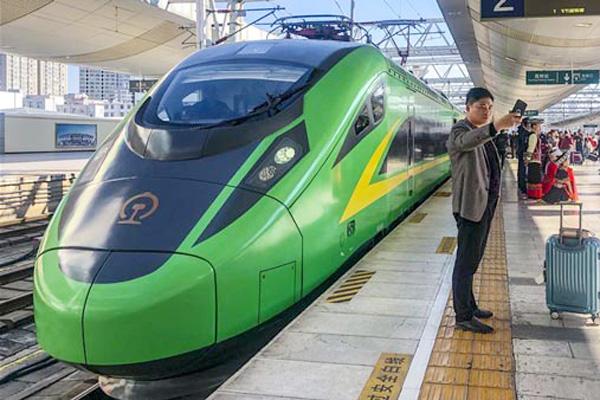 350 किलोमीटर प्रतिघंटा की रफ्तार दौड़ने वाली पहली ड्राइवरलेस बुलेट ट्रेन का सफल परीक्षण