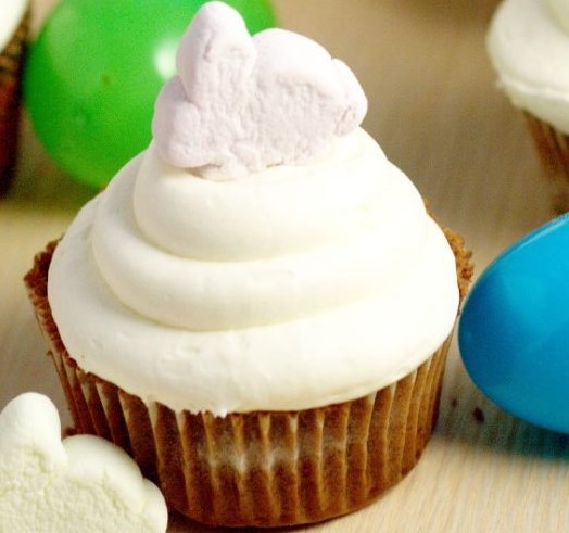 Marshmallow Frosting #desserts #cupcake