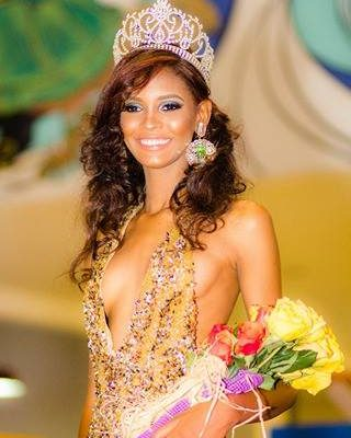 """Barahonera  Nicoletta Pérez gana Certamen  """"Reina Dominicana del Oro 2017"""" en su 5ta. edición"""