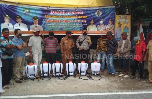 Cegah Penularan Covid-19, Desa Rambong  Lakukan Penyemprotan Disinfektan ke Rumah Warga