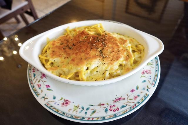 溫馨小館咖哩焗麵