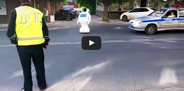 Latest Technology This Robot Keeps-Trying to Escape a Lab in Russia