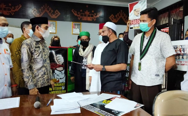 Surati Presiden, Massa dan DPRD Lampura Minta HRS dan Munarman Dibebaskan