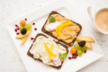 Buka Puasa dengan Roti Maryam Isi Olesan SKIPPY