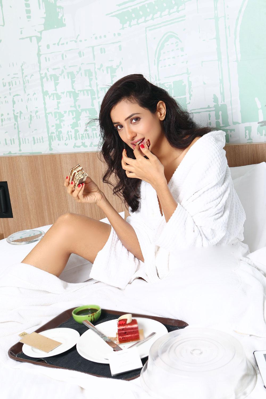 Actress Riya Suman  Glam Photoshoot
