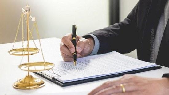 contrato servicos advocaticios protegido sigilo profissional