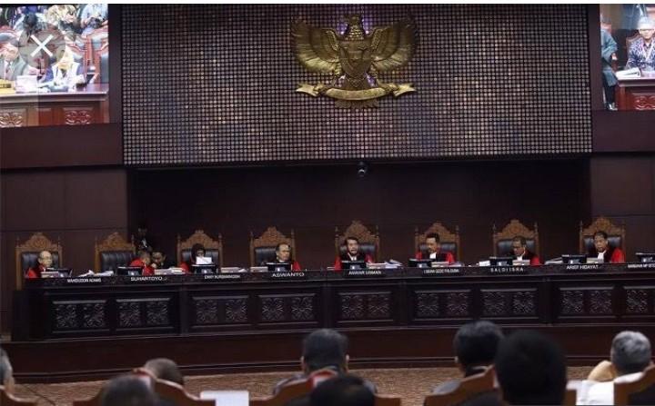 Luar Biasa, MK Nyatakan Jokowi Tidak Berdosa Sedikit pun