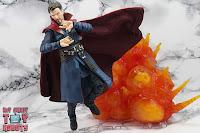 S.H. Figuarts Doctor Strange (Battle On Titan Edition) 26