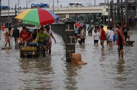 Φιλιππίνες : Χιλιάδες ανθρώποι απομακρύνονται από τα σπίτια τους εξαιτίας των σφοδρών βροχοπτώσεων