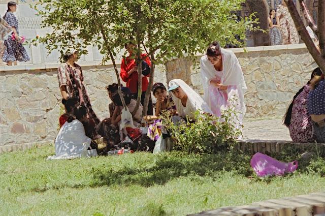Ouzbékistan, Samarcande, Registan, © Louis Gigout, 1999