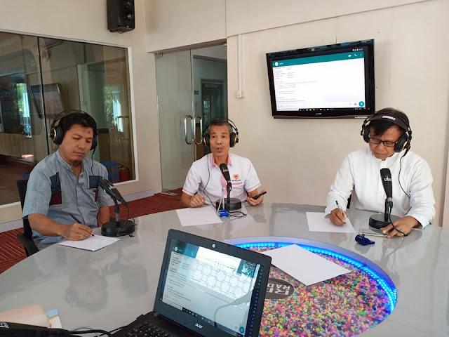 Ketua KONI Sumbar, Syaiful pada acara dialog olahraga (Diagora) LPP RRI Padang