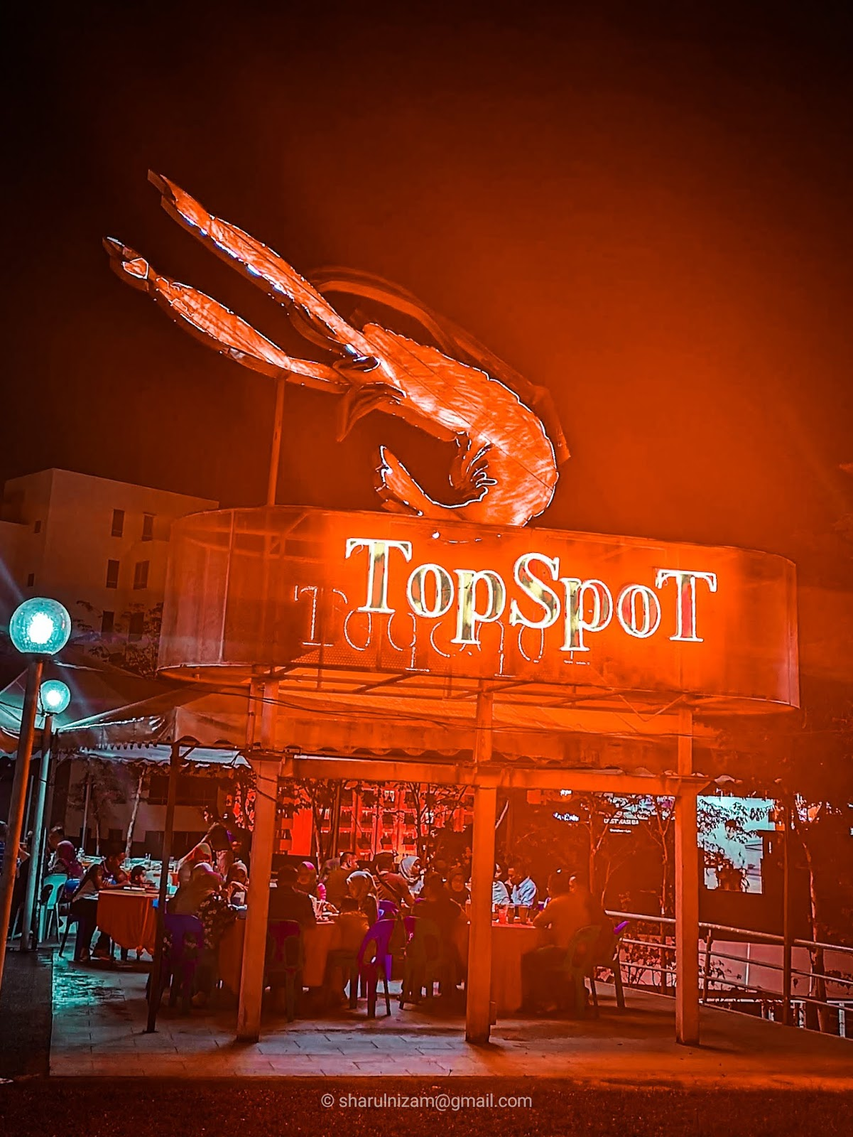 Makan Malam Di TopSpot