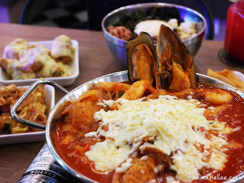 K Fry Tteokbokki with Cheese & Seafood