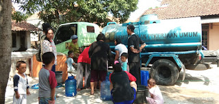 BPBD Kab Cirebon Salurkan Air Bersih Ke Desa Babadan