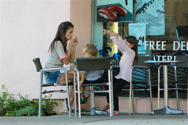 Alessandra Ambrosio and her two children