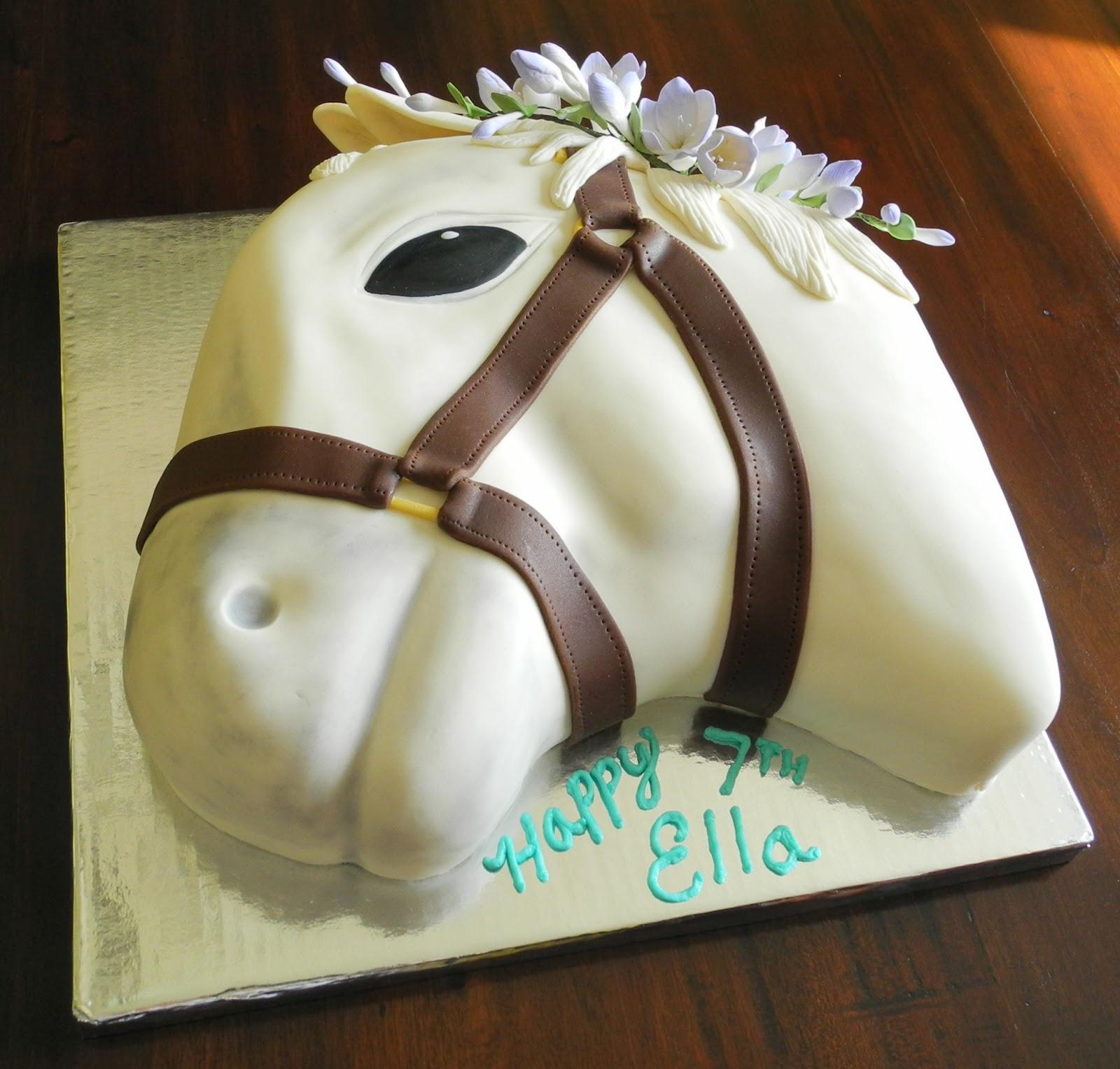 Debby S Cakes My Daughter S White Horse Cake