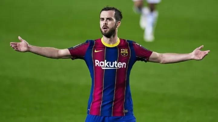Barcelona free up Umtiti and Pjanic to help keep Messi