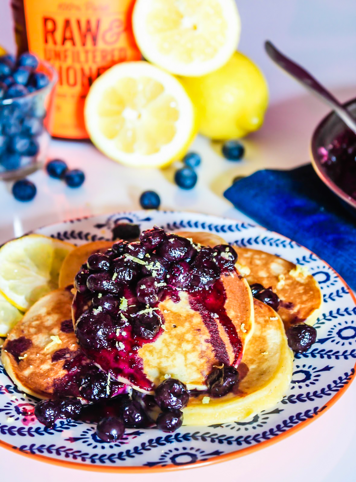 lemon ricotta pancakes // lemon pancakes // easy pancake recipes // lemon ricotta pancakes with blueberry recipe // lemon ricotta pancakes // delicious pancake recipes // top 5 pancake recipe // easy pancake recipe