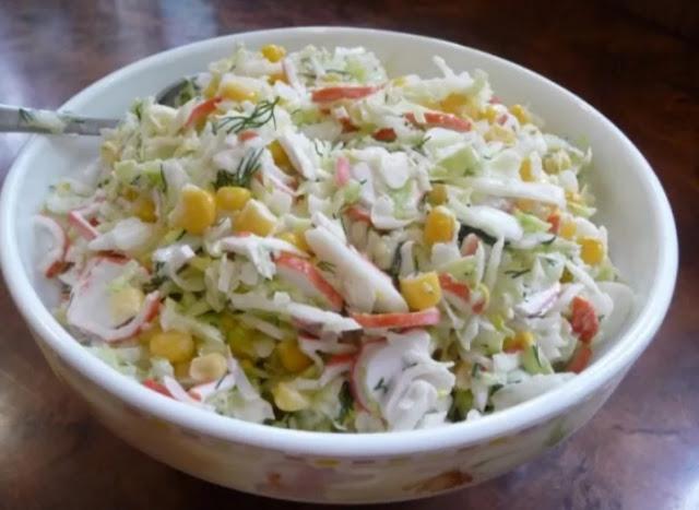 Крабовый салат с купустой фото-рецепт
