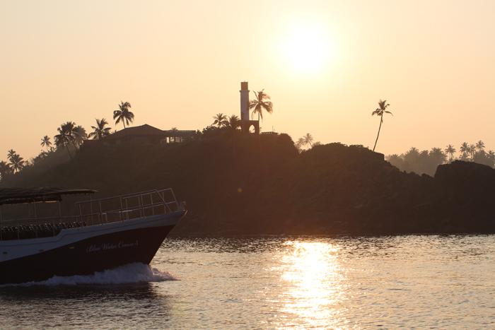 Hafen von Mirissa am frühen Morgen