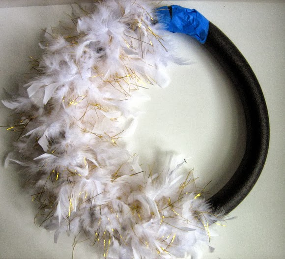 Using a boa to dress up a wreath