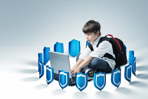 Tips Aman Menjaga Anak Saat Online Di Internet