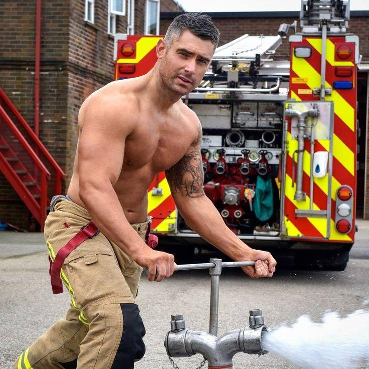 sexy-mature-silverfox-muscle-dilf-firefighter-daddy-pictures