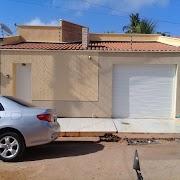 Esperantinópolis: Casa bem estruturada à venda na rua Vitorino Freire.