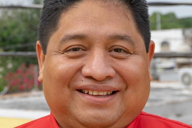 Hospitalizado Carlos Canché Baas, ex alcalde de Kanasín por COVID-19