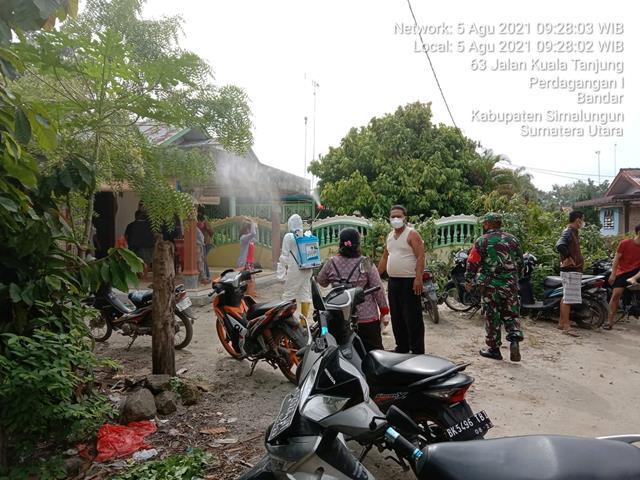Peneymprotan Disinfektan Dilakukan Personel Jajaran Kodim 0207/Simalungun Dalam Rangka Cegah Penyebaran Covid-19