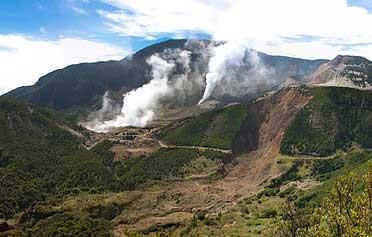 Gunung Papandayan - Tempat Wisata di Garut