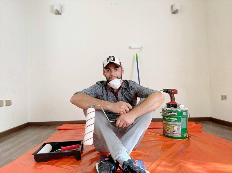 Pancho Sanfurgo se lanzó a pintar su casa en Concepción
