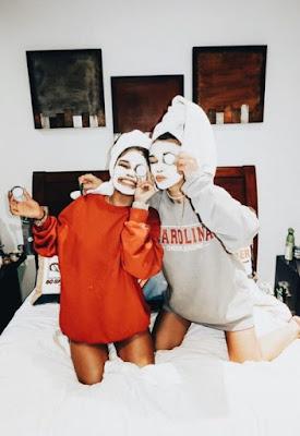 pose para fotos com a amiga vsco girl