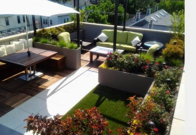STUNNING ROOF TOP BALCONY-GARDEN DESIGN