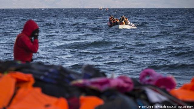 Γερμανικά ΜΜΕ: «Παράλογη ιδέα» τα πλωτά φράγματα στο Αιγαίο